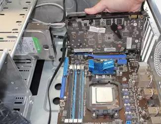 Извлечение видеокарты из корпуса компьютера для дальнейшего ремонта или замены на новую